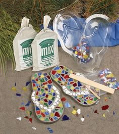 Mosaic Flip Flop Stepping Stone Kit #DIY #kit #summer #beach #garden #artsandcrafts