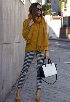 mustard pumps black and white gingham pants mustard sweater scarf Böhmisches Outfit, Pants Outfit, Zara Outfit, Snow Outfit, Gingham Pants, Plaid Pants, Grey Pants, Striped Pants, Look Fashion