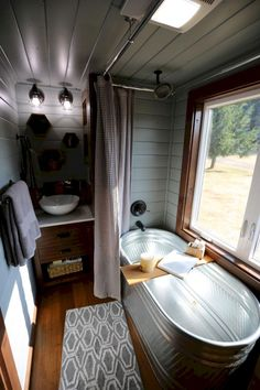 Incredible tiny house bathroom designs (1)