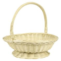 We love this large hamper basket. Fill with flowers for a rustic way to decorate your French Country dining room! #decor #dining