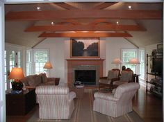 Tray ceiling, beams, boarded ceiling