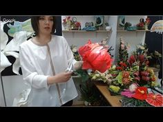 Crepe Paper Flowers Tutorial, Diy And Crafts, Paper Crafts, Giant Flowers, Oragami, Silk Ribbon Embroidery, Flower Crafts, Flower Arrangements, Backdrops