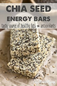 Healthy Tips These homemade chia seed energy bars are simple to make and packed with nutrients! These natural food bars give you lasting energy! - Delicious chia seed energy bars with coconut oil and dates for a natural energy boost. Healthy Fruits, Healthy Snacks, Healthy Recipes, Healthy Eating, Protein Snacks, High Protein, Protein Muffins, Protein Cookies, Protein Recipes