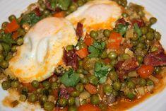 Ervilhas com Chouriço e Ovos Escalfados