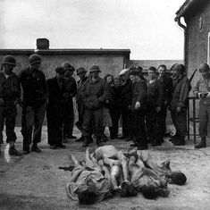 Lee Miller, Buchenwald 2, 1945 (©  Kerry Negahban, Reproduction Rights Negotiator , Lee Miller Archives, Roland Penrose Estate & The Penrose Collection, Farley Farm House , Muddles Green , Chiddingly , East Sussex BN8 6HW, UK. Tel: ++44 (0) 1825 872691- Fax: ++44 (0) 1825 872733- archives@leemiller.co.uk)