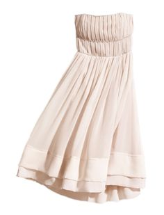 Love this dress! It reminds me of something I saw in the sound of music. I want to wear this to a wedding...