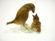 Vintage Hutschenreuther Kunstabteilung Selb Mother Bird Feeding  Baby Figurine