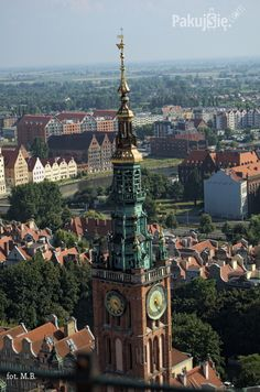 Gdańsk - widok na ratusz z wieży bazyliki