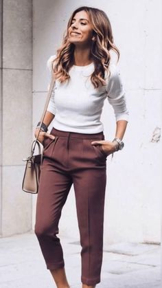 Simple Work Outfits, Business Casual Outfits For Work, Spring Work Outfits, Work Casual, Stylish Outfits, Office Attire For Women, Womens Fashion Outfits, Professional Work Outfits, Office Style Women