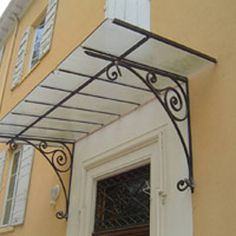 Fabricant Marquise avec volute, marquise en acier Lyon, Marquise auvent, marquise porte d'entrée
