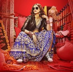 First look: Quirky Sonam Kapoor in 'Dolly Ki Doli'! New Delhi: Bollywood actress Sonam Kapoor is known for her quirk style sense. Anil Kapoor's darling daughter has always managed . Sonam Kapoor, Bollywood Fashion, Bollywood Actress, Bollywood News, Bollywood Outfits, Bollywood Songs, Bollywood Style, Bridal Looks, Bridal Style