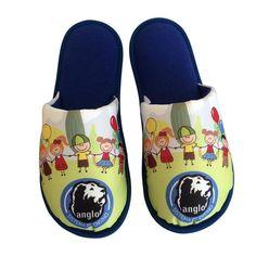 Pantufa Infantil Vamos dar as mãos. Adicione sua logo > Conforto Store