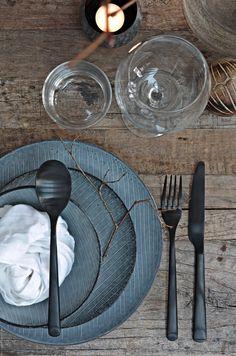 geschirr im handmade look keramik porzellan und steinzeug geschirr trends und sch ner wohnen. Black Bedroom Furniture Sets. Home Design Ideas