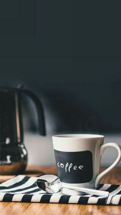 The Rancilio Silvia Espresso Machine Makes Coffee Time At Home Wonderful Coffee And Books, I Love Coffee, Hot Coffee, Coffee Break, Morning Coffee, Coffee Mugs, Coffee Cafe, Coffee Shop, Espresso
