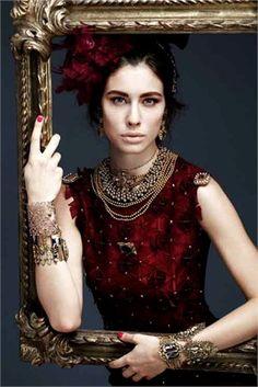 Return to Baroque - Vogue. Fashion Shoot, Fashion Art, Editorial Fashion, Hijab Fashion, Afro, Vogue, Fashion Photography Poses, Art Deco, Baroque Fashion
