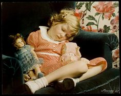 A good read for if you are the type of person who skips sleep, sleeps too much, or wants to know more about it. The Science of Sleep: Dreaming, Depression, and How REM Sleep Regulates Negative Emotions Rem Sleep, Kids Sleep, Photo Vintage, Vintage Ads, Vintage Photos, Nickolas Muray, Sleep Dream, Haunted Dolls, Toddler Girls