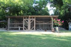 2227 Rigsby - chicken coop