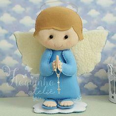 Little angel - Felt Felt Crafts Diy, Felt Diy, Felt Dolls, Doll Toys, Handmade Sheet, Felt Angel, Baptism Centerpieces, Fidget Blankets, Novelty Gifts