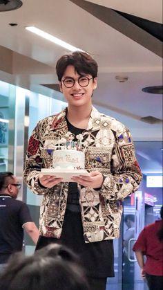 Boy Pictures, Thai Drama, Movies 2019, Celebs, Celebrities, Asian Boys, Boyfriend Material, Celebrity Crush, Pretty Boys