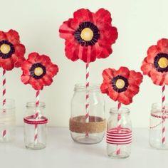 Glass Vase, Hunting, Instagram Posts, Home Decor, Decoration Home, Room Decor, Home Interior Design, Fighter Jets, Home Decoration