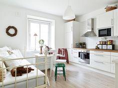 Małe mieszkanie w skandynawskim stylu - 27 m kw. - zdjęcie