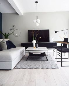 41 Grey Living Room Ideas for Gorgeous and Elegant Spaces | autoblogsamurai.com  #greylivingroom  #livingroom  #livingroomideas
