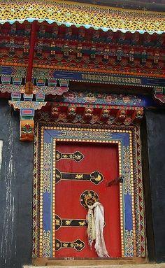 ♂ Exotic Beautiful Buddhist Temple Door, Tibet