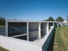 Konferenzpavillon von Tadeo Ando auf dem Vitra Campus in Weil am Rhein ... #ando #architecture #tadao Pinned by www.modlar.com