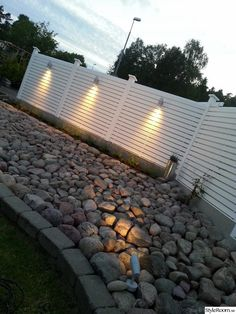 planks, garden, rock Whilst historical throughout principle, the pergola is suffering from a contemporary rebirth Vinyl Privacy Fence, Privacy Fence Designs, Outdoor Lighting, Outdoor Decor, Horizontal Fence, Exterior, Backyard, Patio, Garden Inspiration
