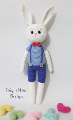 Winzige Mini-Design-Amigurumi Bunny kostenlose Muster Winzige Mini-Design-Amigurumi Bunny kostenlose Muster Tiny Mini Design-Amigurumi Bunny Free Pattern Source by Bunny Crochet, Easter Crochet, Crochet Dolls, Crochet Simple, Easy Crochet Projects, Crochet Ideas, Crochet Amigurumi Free Patterns, Free Crochet, Amigurumi Doll