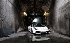 White Lamborghini Gallardo in Canal HD Wallpapers