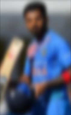 के एल राहुल का जन्म 18 अप्रैल 1992 को कर्नाटक में हुआ ....उनका पूरा नाम कन्नौर लोकेश राहुल है ....राहुल ने बंगलौर में कर्नाटक स्टेट क्रिकेट अकादमी से क्रिकेट में प्रशिक्षण हासिल किया....राहुल 2010 आईसीसी अंडर 19 क्रिकेट विश्व कप में भारत के लिए खेले थे....इन्होंने 26 दिसंबर 2014 ऑस्ट्रेलिया के खिलाफ मेलबर्न में अपना टेस्ट डेब्यू किया ... #KLRahul #KLRahulBirthday #HappyBirthdayKLRahul #KLRahulAge #KLRahul29thBirthday #KLRahulCareer #KLRahulinIPL #IPL2021 #PBKS #LokeshRahul #IndianCricketer