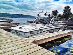 Parked at her home #tige #tigelove #wakeboard #wakeboarding #boats