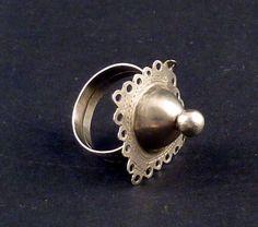 Antiguo anillo étnico tuareg del Sur de Argelia, joyería tuareg, joyería étnica y tribal, plata tuareg, anillo tribal de plata