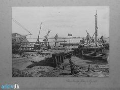 arkiv.dk | Den gamle færgebro i Masnedsund. Færgelejet til Gåbensefærgen - 1885. Tegning af N.F. Schiøttz-Jensen. Vordingborg Lokalhistoriske Arkiv, signatur B2060