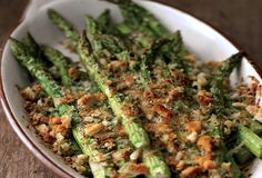Asparagus and Asiago Gratin Recipe  http://leitesculinaria.com/79741/recipes-spring-asparagus-and-asiago-gratin.html