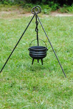 Potjie Pot Cauldron Size 2 Pure cast iron 5 quart Bean Pot