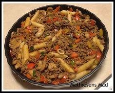 Pastatærte med oksekød | Mathiesens Mad Snack Recipes, Snacks, Pot Roast, Paella, Italian Recipes, Beef, Chicken, Cooking, Ethnic Recipes