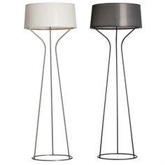 Aria golvlampa är den perfekta lampan att ha i vardagsrummet som med sin snygga och moderna design ger ett stiligt och vackert intryck! Designen finns även som bords- och taklampa.
