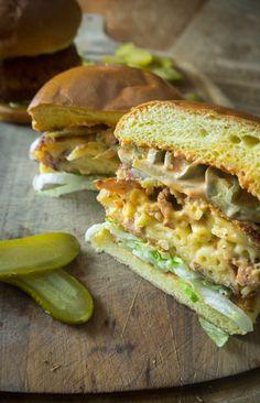 Super easy recipe for mac & cheese burgers! Fried macaroni cheese, need i say more?