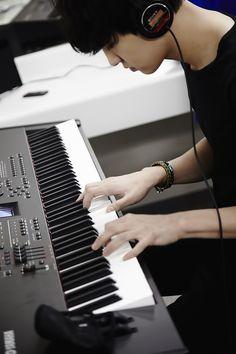 """Exo - Chanyeol """"This guy be always composing Bts Got7, Chanyeol Baekhyun, Park Chanyeol Exo, Kpop Exo, Exo K, Chansoo, Baekyeol, 2ne1, Kris Wu"""