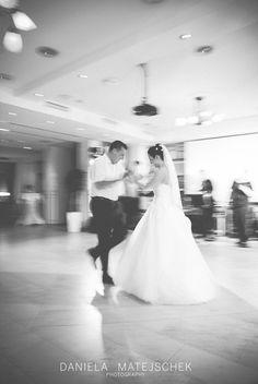 #firstdance #weddingphotography #wedding #weddingcoverage #Hochzeitsfotografie #love First Dance, Beautiful Moments, Professional Photographer, One Shoulder Wedding Dress, Wedding Photography, In This Moment, Wedding Dresses, Fashion, Wedding Shot