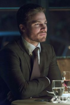 "Arrow -- ""Muse of Fire"" -- Image AR107b_0181b -- Pictured: Stephen Amell as Oliver -- Photo: Jack Rowand/The CW -- ©2012 The CW Network. All Rights Reserved"