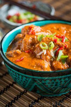 V - Vindaloo - heerlijke curry volgens Es Meat Recipes, Slow Cooker Recipes, Indian Food Recipes, Asian Recipes, Vegetarian Recipes, Cooking Recipes, Ethnic Recipes, Vindaloo, India Food
