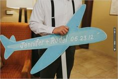 airplane wedding sign | VIA #WEDDINGPINS.NET