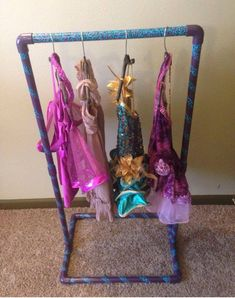 Details about Portable Personal Costume Rack. Kids Dance Wear, Dance Moms, Diy Dance Gifts, Dance Recital Costumes, Dad Pictures, Diy Rack, Diy Clothes Rack, Dance Accessories, Garment Racks