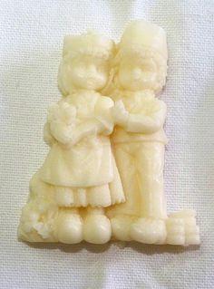 Haga que ese momento especial de su vida ..sea inolvidable entregando este pequeño y delicado recuerdo hecho en jabón!!  El recuerdo de su boda!