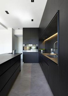 The 30 Best Black Kitchens - Kitchen Trends You Need To See cool Concrete might look like an unusual alternative for your kitchen, but given the appropriate setting, its rustic, textured look can set only the perfec. Home Decor Kitchen, Rustic Kitchen, New Kitchen, Kitchen Ideas, Kitchen Furniture, Kitchen Inspiration, Furniture Design, Modern Furniture, Awesome Kitchen