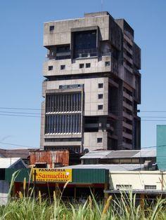 Paulo Mendes da Rocha apartment building, San José, Costa Rica