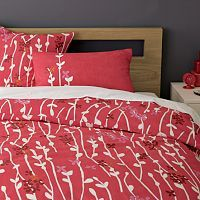 love this bed spread